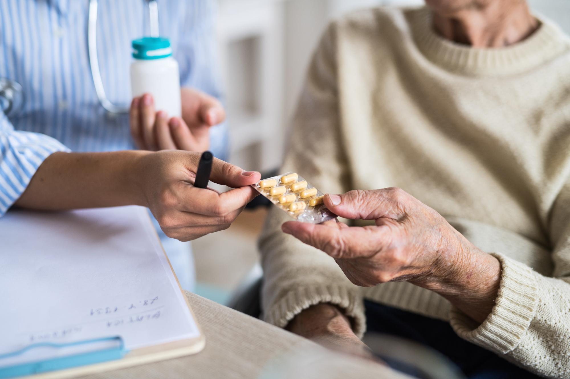 Falsche Medikation bei Menschen mit Demenz